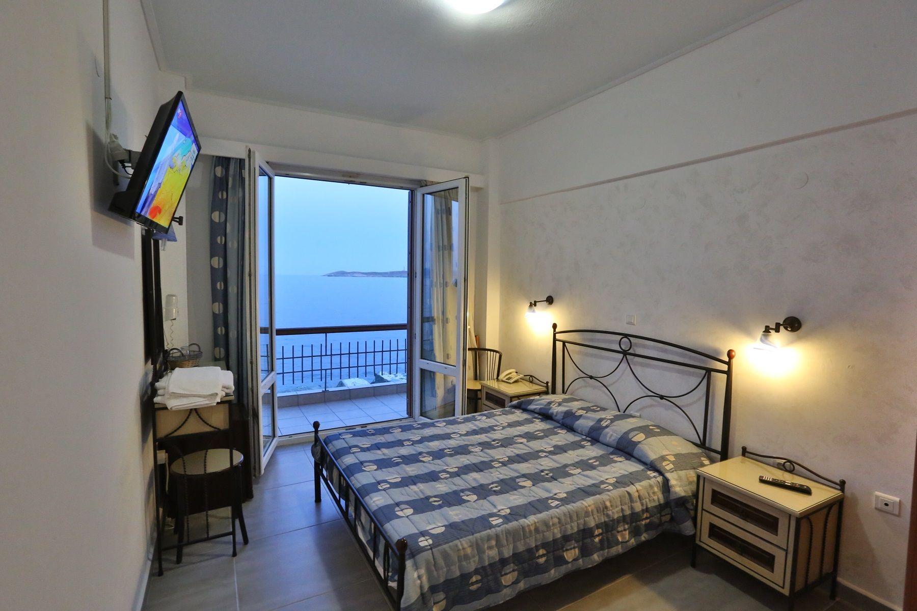 Nisaki-Hotel-Hermoupolis-Syros-Greece
