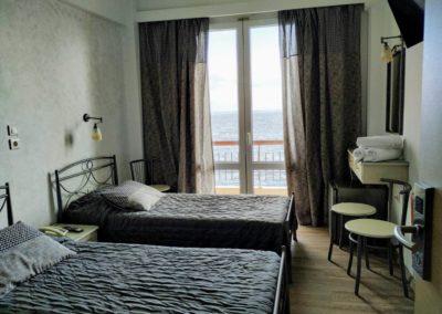 Δίκλινο με διπλό κρεβάτι και θέα την θάλασσα-2019-10