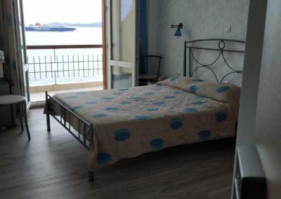Δίκλινο με διπλό κρεβάτι και θέα την θάλασσα-2019-5