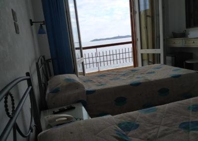 Δίκλινο με διπλό κρεβάτι και θέα την θάλασσα-2019-6