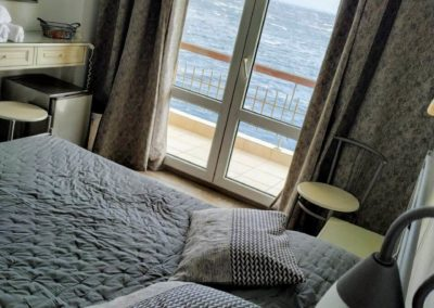Δίκλινο με διπλό κρεβάτι και θέα την θάλασσα-2019-8